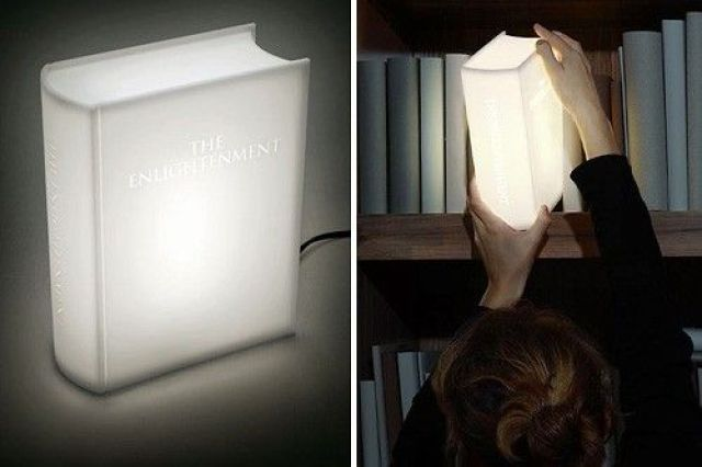 Lámpara con forma de libro