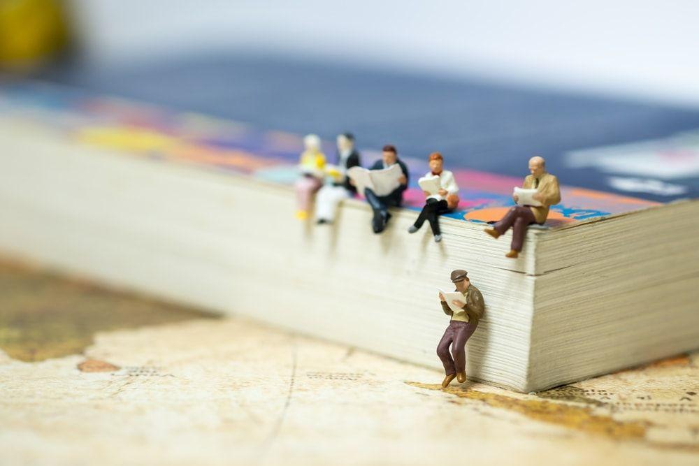10+3 figuras bibliotecarias que te harán despertar tu instinto coleccionista