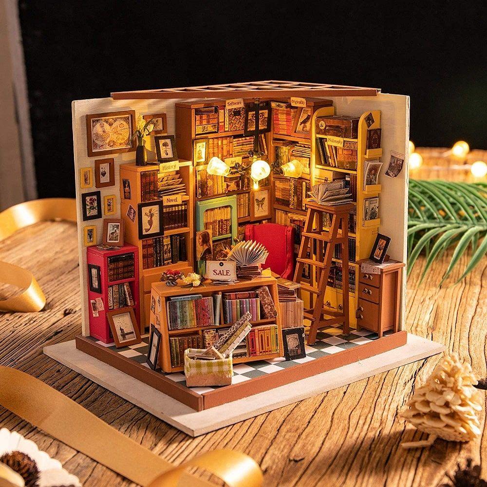 Librería en miniatura de juguete