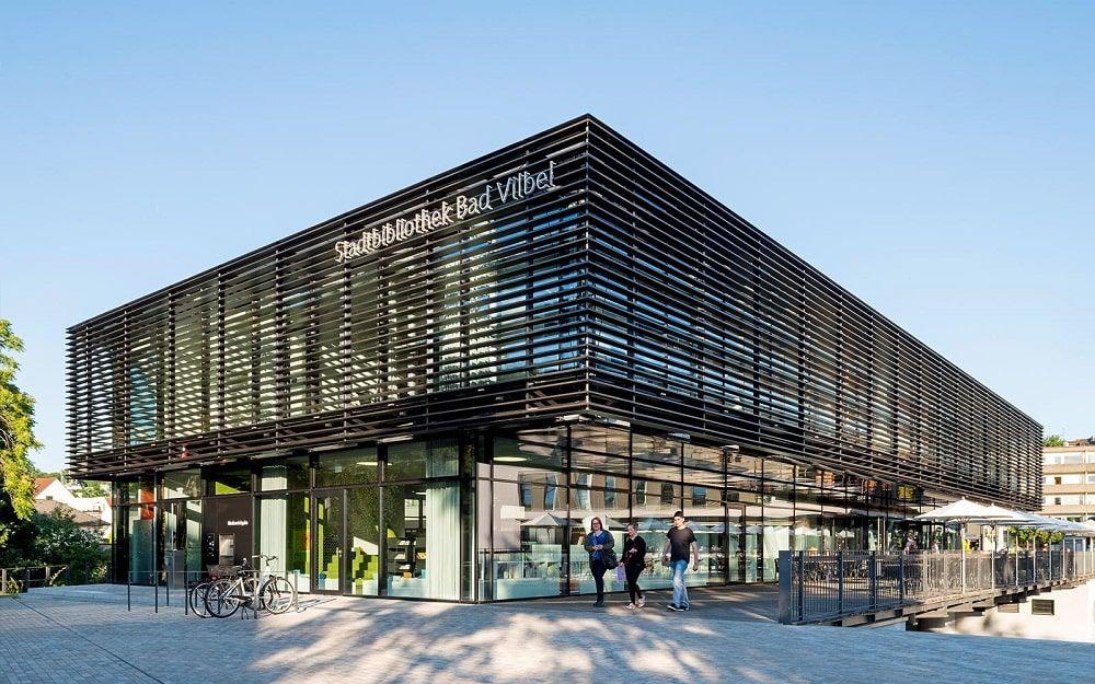 Stadtbibliothek - Biblioteca puente - Bad Vilbel