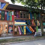The Heights Dream Library mural libros imaginarios