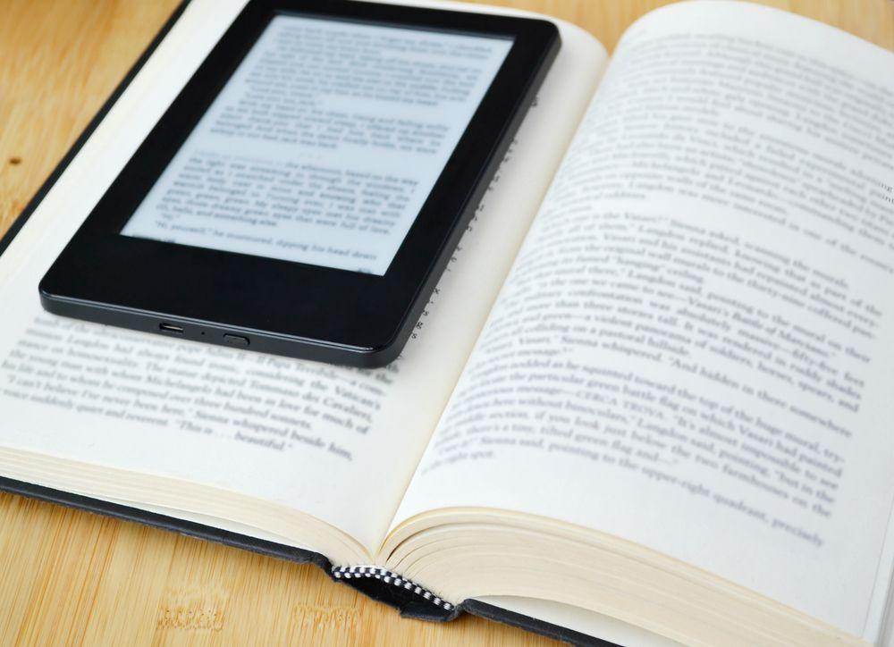 10 beneficios del libro en papel… y otros 10 del libro electrónico