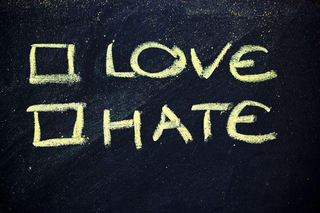Amor y odio entre usuarios y plataformas