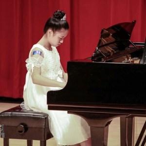 林秉蓁_在成功大學鋼琴演奏-習琴長達12年