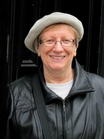 Barbara Holland Artist Portrait