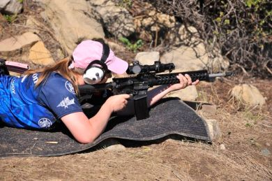 Julie Golob - S&W M&P15, Photo by Yamil Sued
