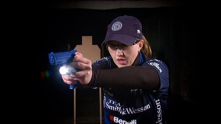 Shooting_USA_Julie_Golob_Flashlight_ProTip