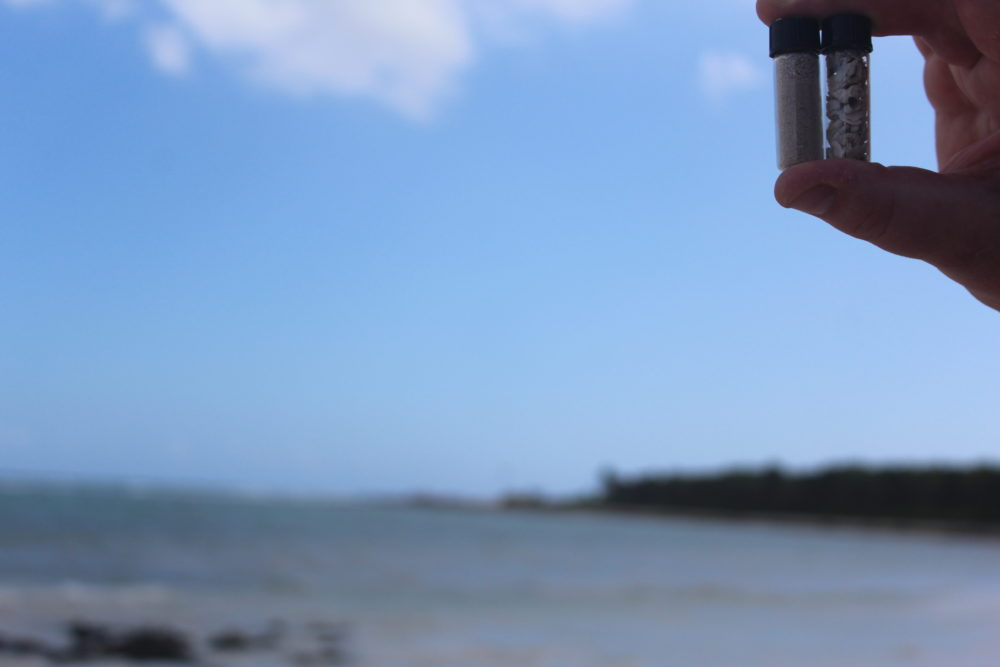 Sand and shell vial trip souvenir. Family DIY cheap souvenir. Palladium Riviera Maya, Mexico. Family travel fun.