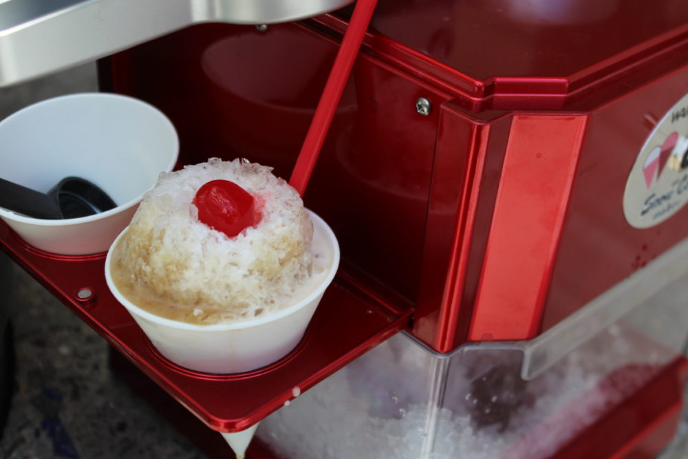 Root Beer Snow Cone and snow cone machine