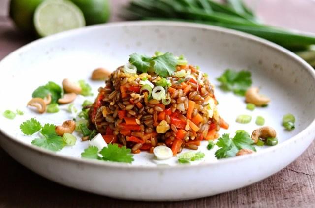 """Lækker fuldkornsudgave af 'fried rice"""" nemlig fried rye"""