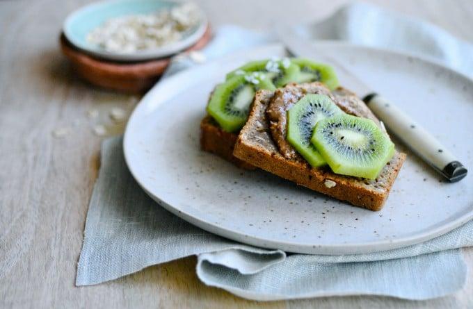 Sundt bananbrød med havregryn og kokos| www.juliekarla.dk