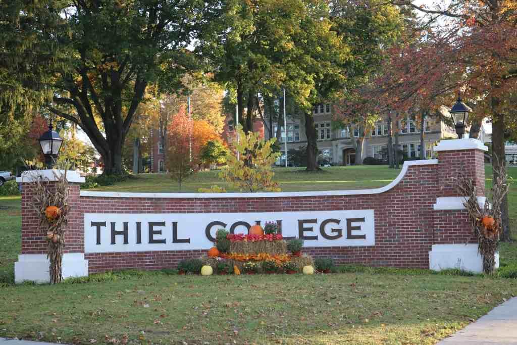 entrance pillar of thiel college for high school dual enrollment in Pennsylvania