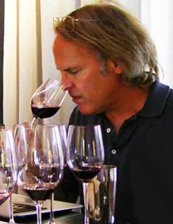 James Suckling: Photo tirée de divinotuscany.com