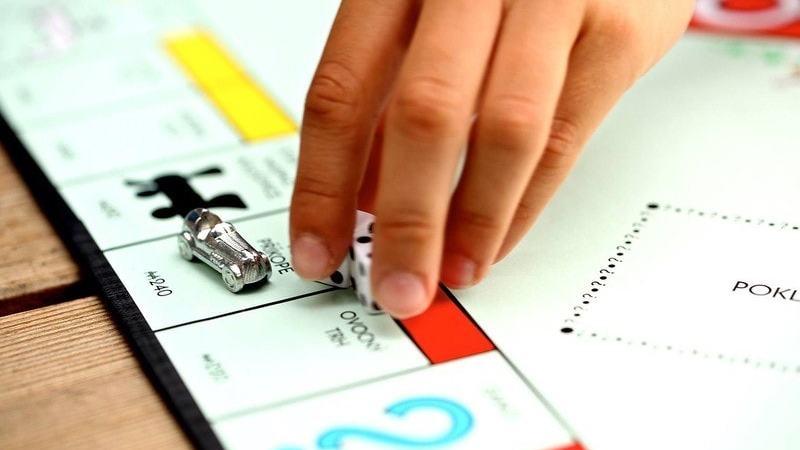 Les Français adeptes des jeux : du poker au Monopoly