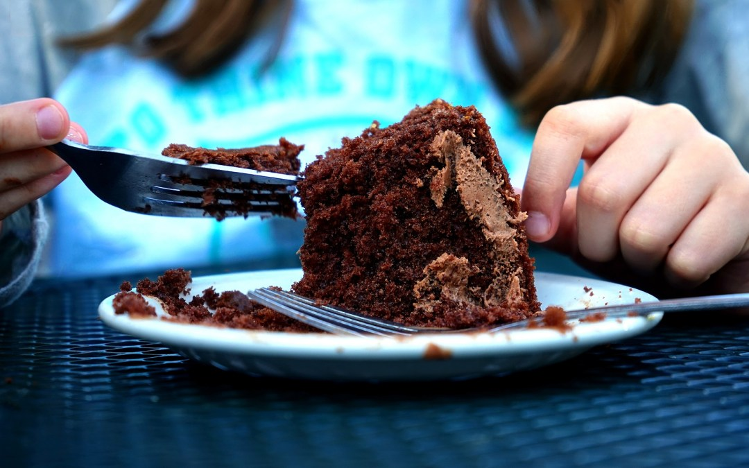 6 Tips To Help Moms Stop Emotional Eating