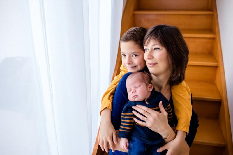 séance photo famille bébé à la maison domicile Julie RIVIÈRE Photographie Photographe Toulouse