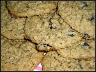 Vanishing Oatmeal Raisin Cookies Julie S Eats Treats