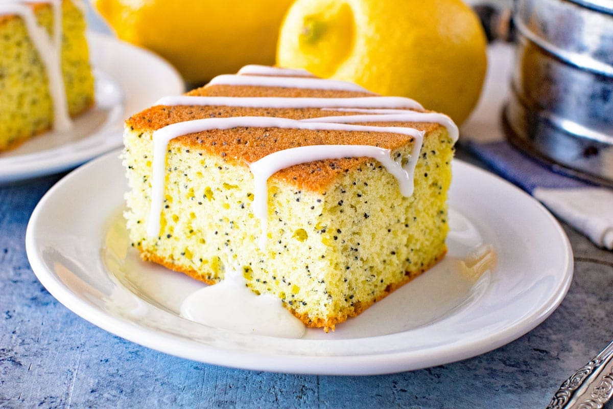 Poppy seed cake with icing