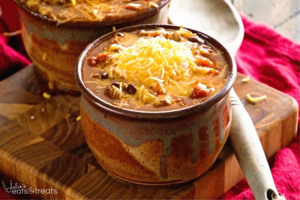 Chili recipe crock pot ~ Amazing chili to warm up to on a cold winter's day made in your slow cooker!