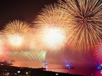 city-night-explosion-firework (2)