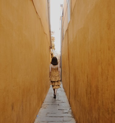 alley-architecture-back-view-1093946
