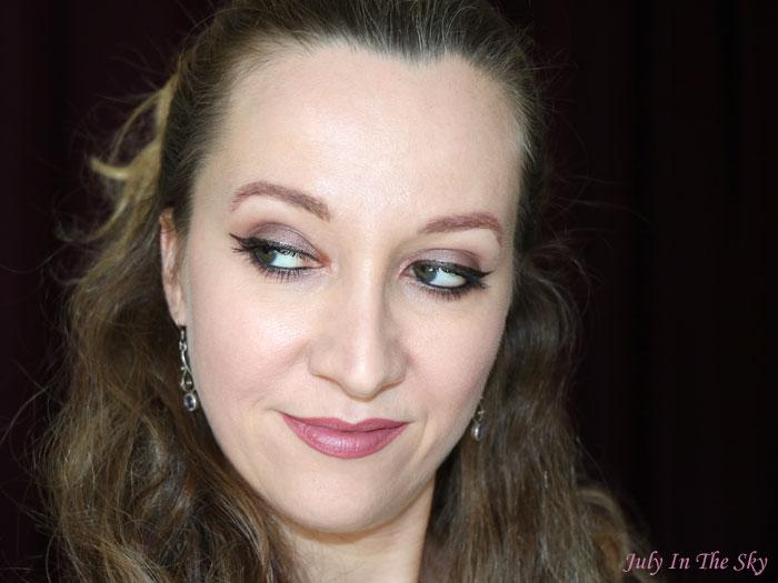 blog beauté avis rouge à lèvres brave contour des lèvres soar mac avis test swatch