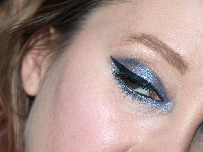 blog beauté beauty stila magnificent metals glitter and glow liquid eye shadow duo chrome into the sea swatch