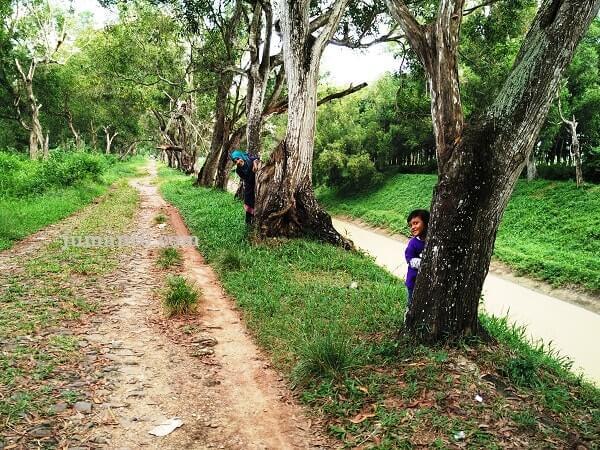 spot untuk berfoto di Dam Raman