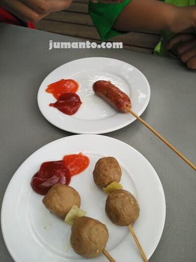 makanan di grafika cikole lembang