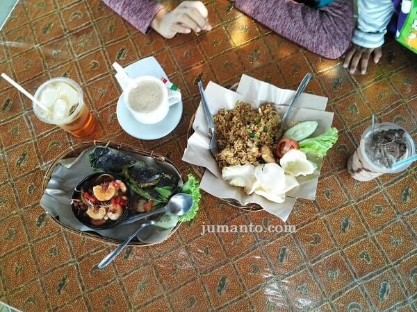 menu makanan di bengkel perut d'sawah tempat kuliner metro lampung