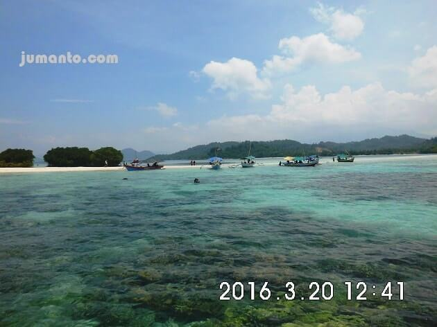 Foto Pulau Pahawang Kecil Lampung