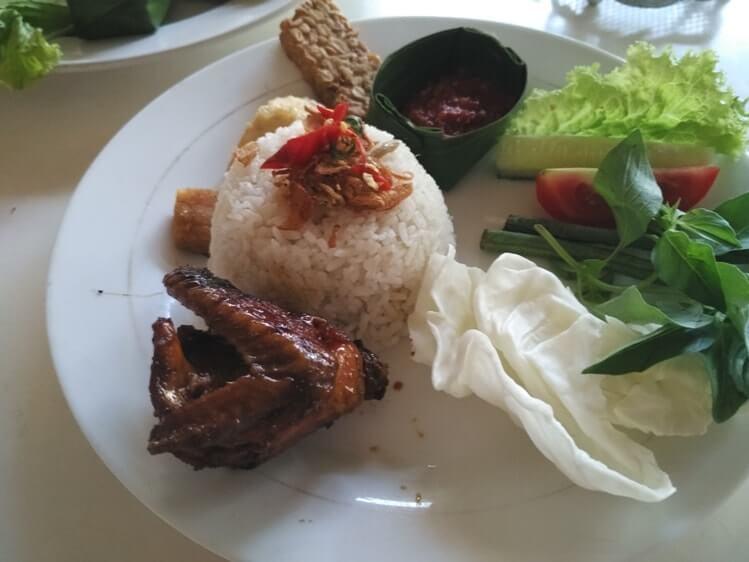 menu paket nasi liwet komplit di griya liwet