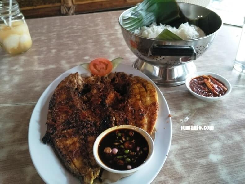 review saung desa lampung