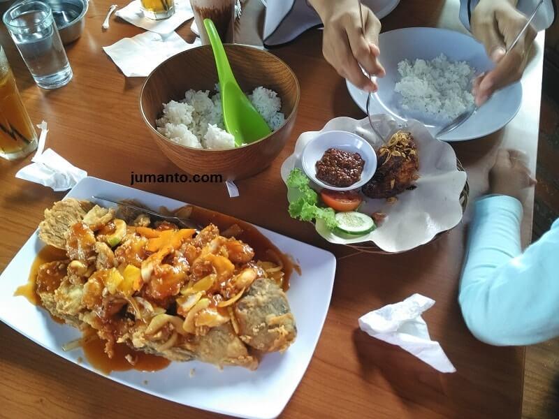 review kuliner kinar resto, pesan gurame dan ayam