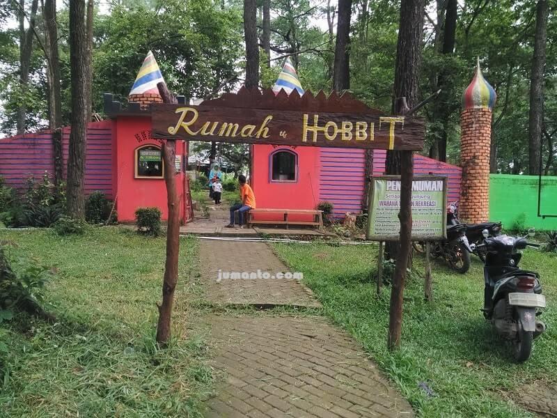 wahana wisata rumah hobbit punti kayu palembang