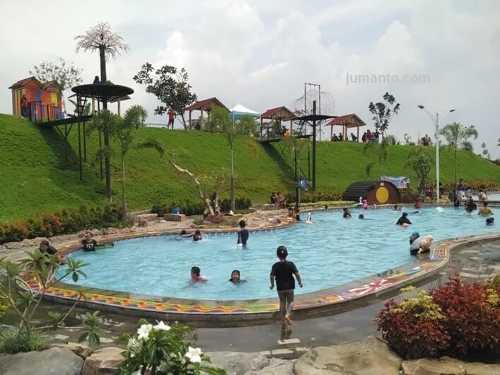 foto GWK baturraden purwokerto, kolam renang baru di banyumas
