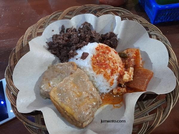 LaRise Cafe Lampung Menyajikan Menu Khas Jogja, Ini Daftar Harganya