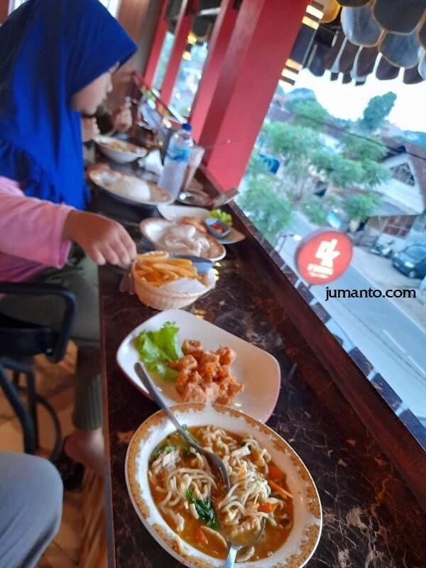 Review D'Krucil Cafe Resto Bandar Lampung