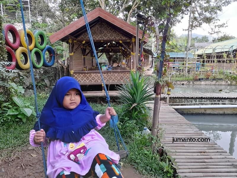 foto saung agrowisata tempat wisata anak di bandar lampung