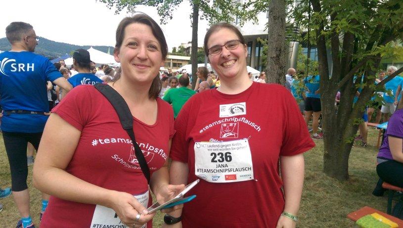 Hier ist ein Bild von mir mit einer Freundin beim Teamschnipsflausch-Lauf zu sehen.