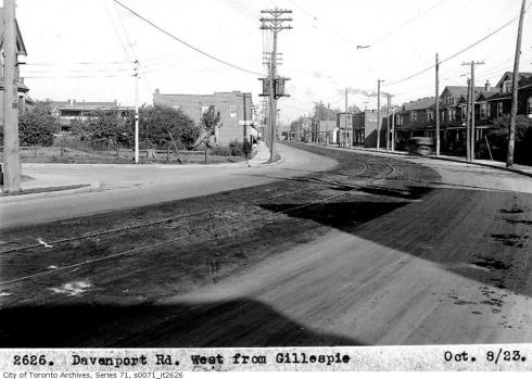 Davenport Road Davenport Rd, west, from Gillespie - October 8, 1923 By: Vintage Toronto