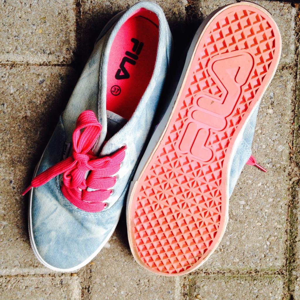 Gekocht bij van Haren deze Fils schoenen. Helaas vind ik ze niet zo fantastisch, 2 keer gedragen. Mogen weg voor €10,- exclusief verzendkosten