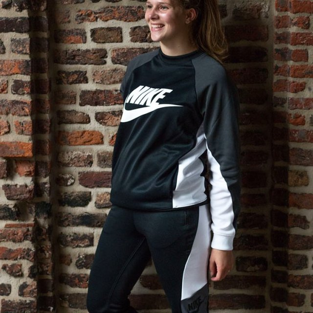 Lets go to the gym in this matching nikesportswear outfithellip