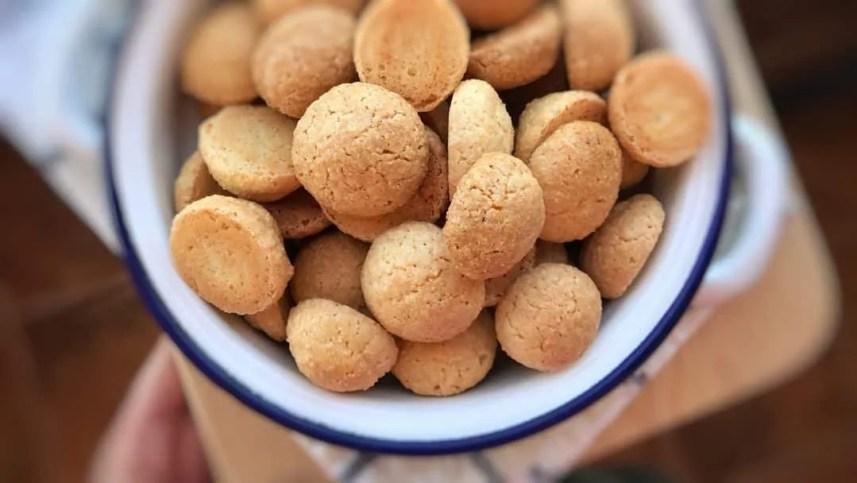 Easy 5 Ingredient Amaretti Cookies