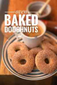 My oven baked doughnut recipe: tasty, healthy and fluffy donuts from scratch! Add a cup of tea or coffee, ready for breakfast!