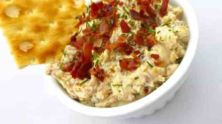 This caramelized onion dip with crunchy bits of bacon and cream cheese in it is possibly the most hearty dip in the whole wide world!