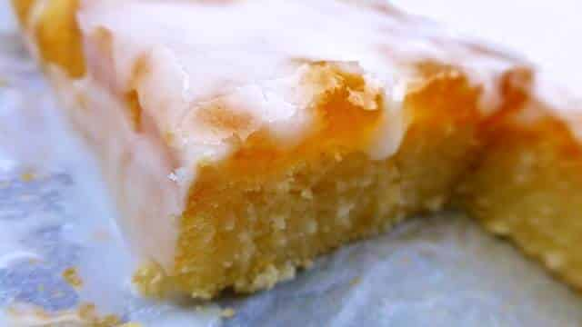 This frangipane recipe is a classic French almond cake... Try out my personal version with grated coconut, apricot jam and icing!