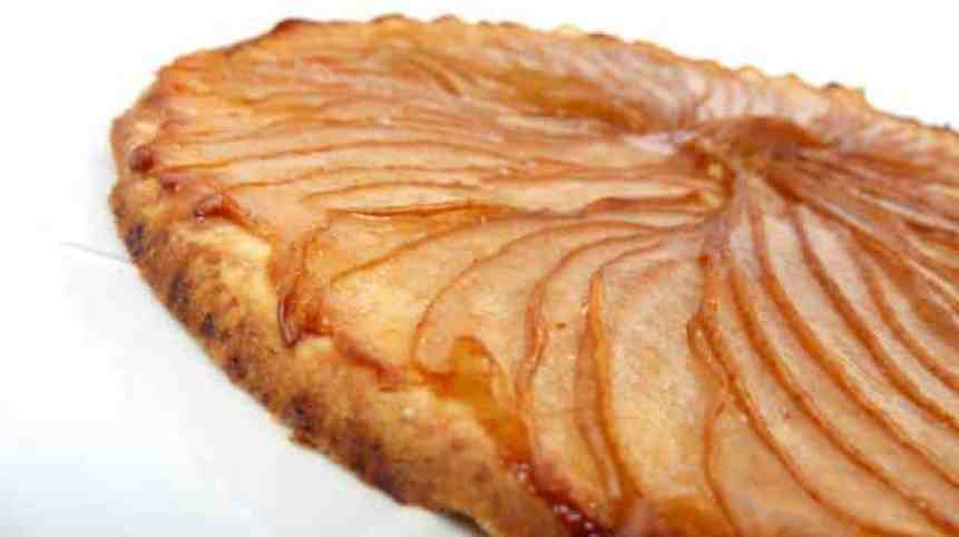 Pear tart recipe: my version of a French pear tart! Make sure to pick a firm pear variety that is perfect to cook with or this tart will be mushy!