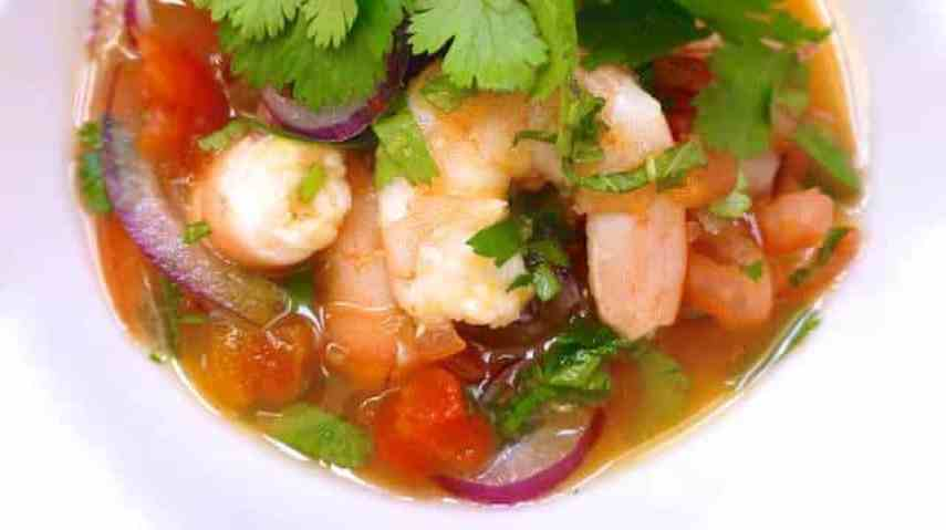 Here's my prawn ceviche with tequila: a cold and refreshing appetizer soup... This explosive stuff will blow you away for sure!