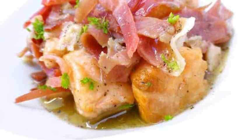 Delicious Asturian salmon with ham in apple cider sauce, also known as Spanish salmón a la Ribereña... A true culinary discovery!